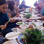 Bánh tráng cuốn thịt heo giảm giá ở Hà Nội