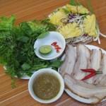 Bánh tráng cuốn thịt heo ở Hà Nội: ăn quán nào?