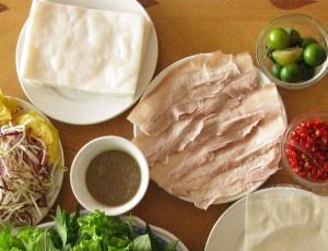 Suất Bánh tráng cuốn thịt heo Hoàng bèo